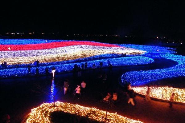 Набана Но Сато, зимен фестивал на светлините