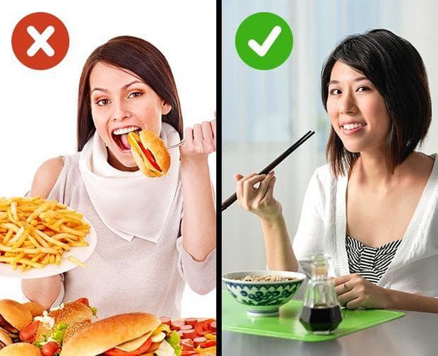 жени, които си хапват