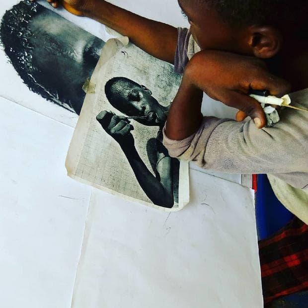 млад и талантлив художник