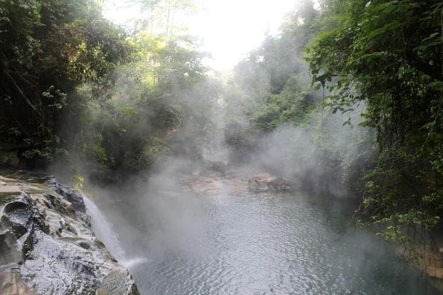 вряща река в Амазония