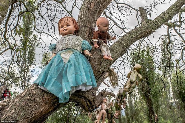 островът на куклите