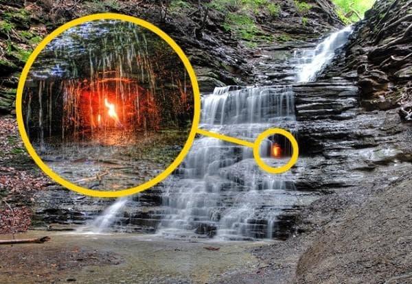 Водопадите на вечния пламък
