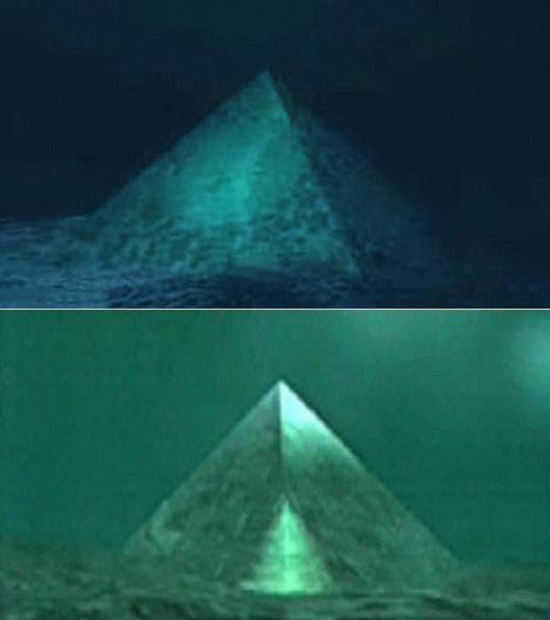 Кристални пирамиди на морското дъно