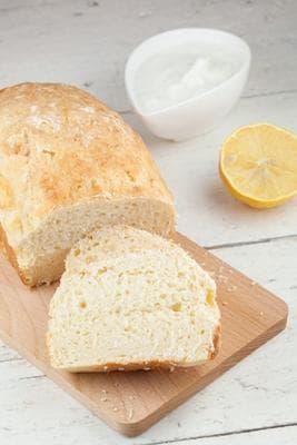 хлебче с лимон и извара
