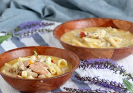 пилешка супа с макарони и наденички