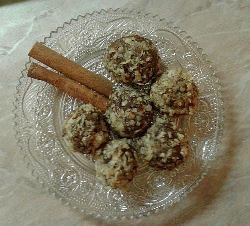 орехови бонбони с тахан и канела