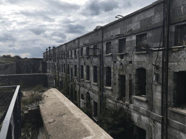 Остров Спайк - затвор