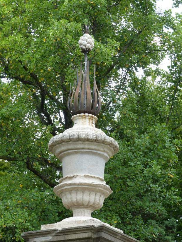 статуя на ананас