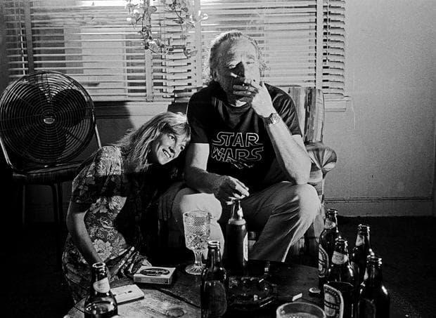 Чарлз Буковски с жена си