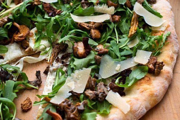 пица с рукола и пекорино