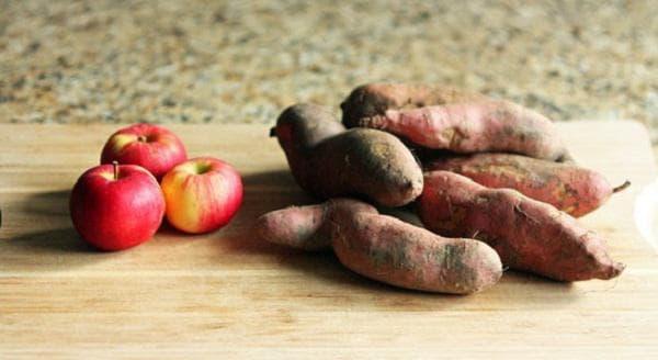 Ябълки и картофи
