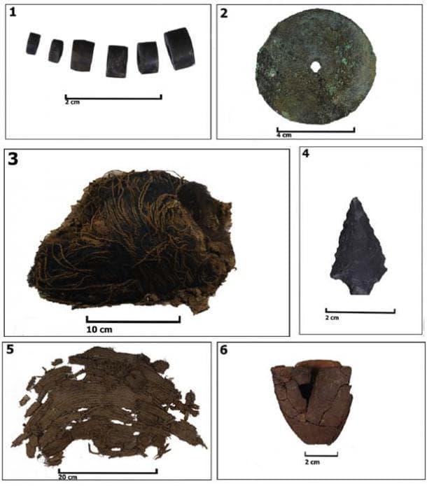 предметите, намерени в гроба на детето