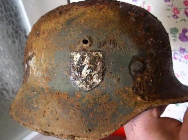 шлем на войник от немската дивизия SS