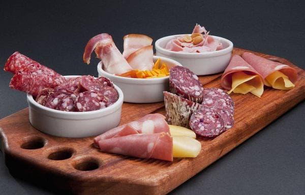 Деликатесни меса