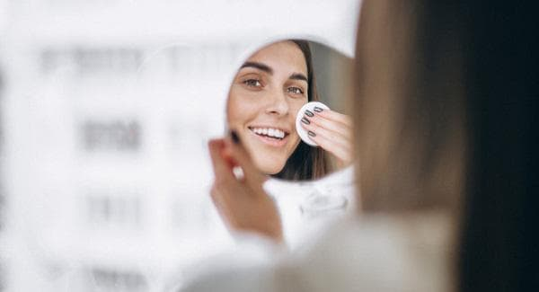 Почистване на лицето