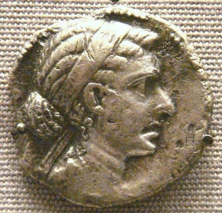 Монета клеопатра