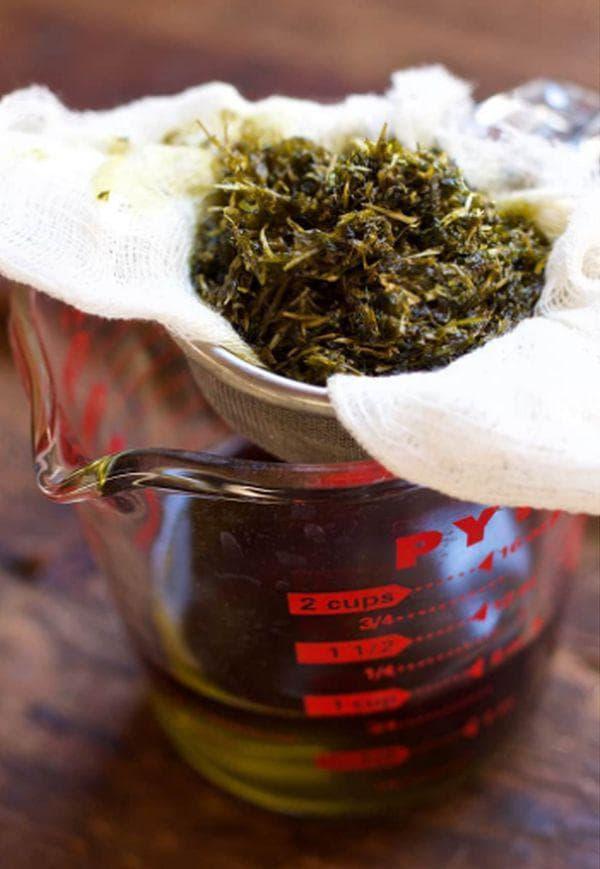 Прецеждане на билковата смес