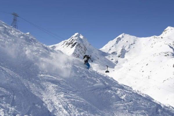 Опасни ски курорти - Екстремната глетчерова писта в Швейцария
