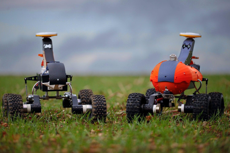 Роботи вършат работата на трактори в земеделието