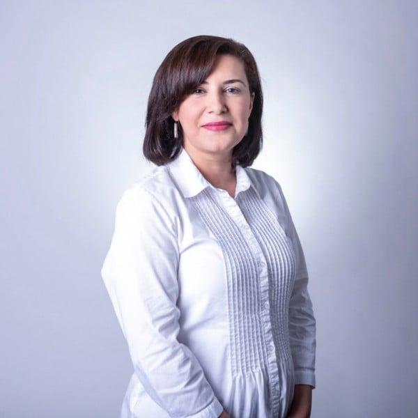 учен, жена, Амина Саламова