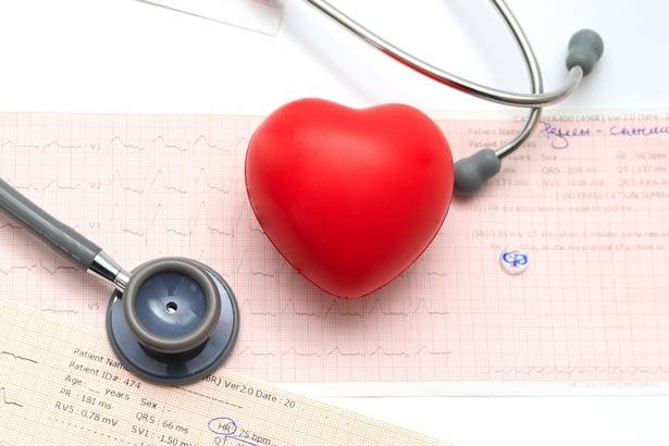 Сърце, стетоскоп, фрамар