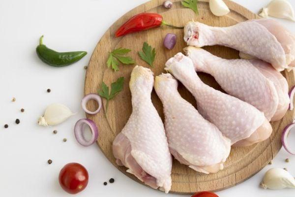 Пилешките бутчета са богати на цинк и желязо.
