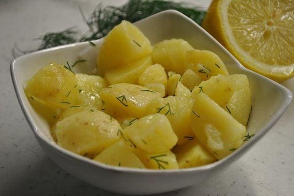 салата от варени картофи