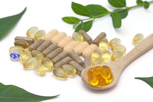 Витамини и добавки
