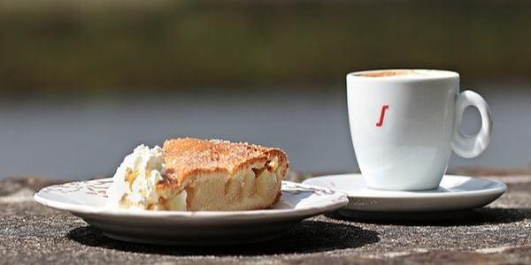 Торта и кафе
