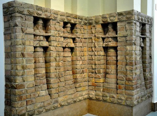 Стенописи от храма на Ану