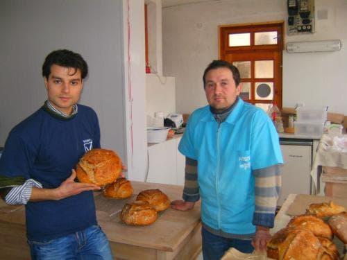 Богдан Богданов и неговият помощник