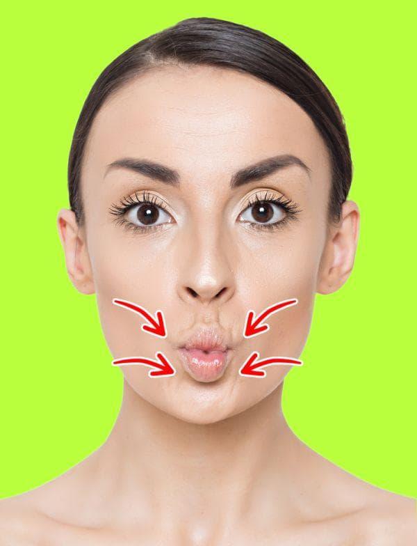Подсвиркане за млади и плътни устни
