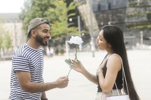 Подаряване на рози