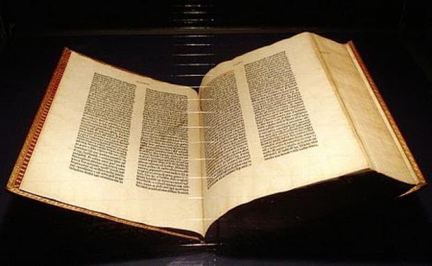 Библията на Гутенберг