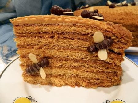 медена торта с тахан