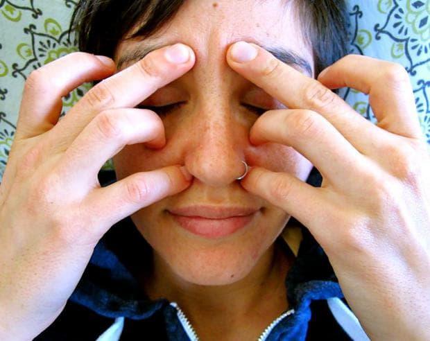 акупресурни точки на лицето срещу сезонни алергии