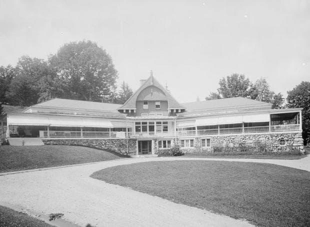 Главната сграда на Ейдриъндак санаториум