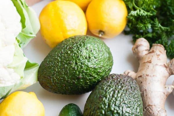 алкални храни- авокадо лимон