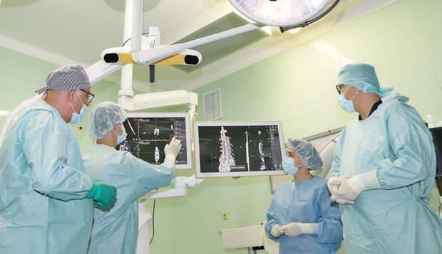 ангиографски апарат