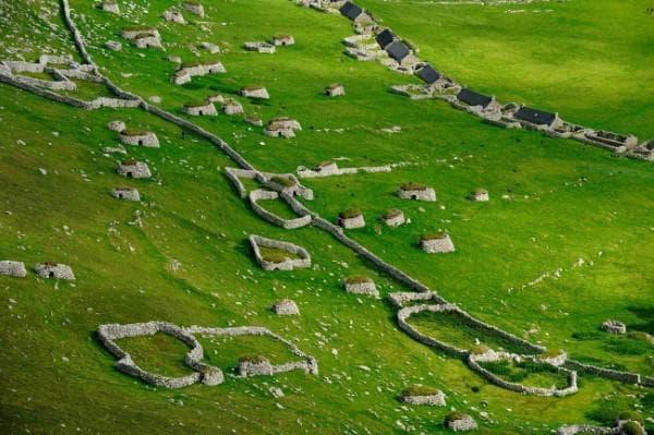 Руините на древно селище в Шотландия