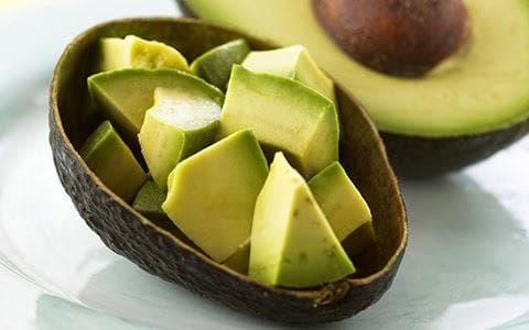 Авокадо нарязано