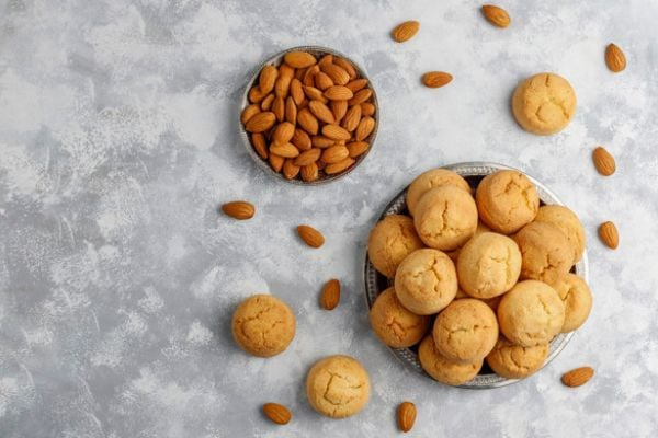 бисквити от бадемово брашно