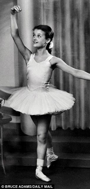 В ритъма на танца: Барбара Питърс - балерината на 80 години