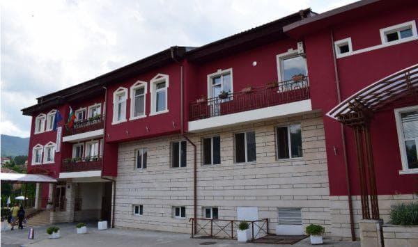 фасада на балнеохотела