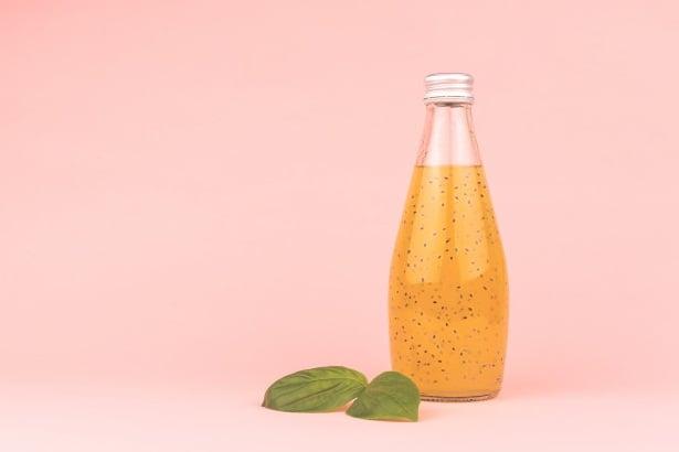 Напитка със семена от босилек