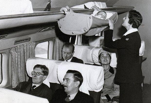 Бебе в самолет