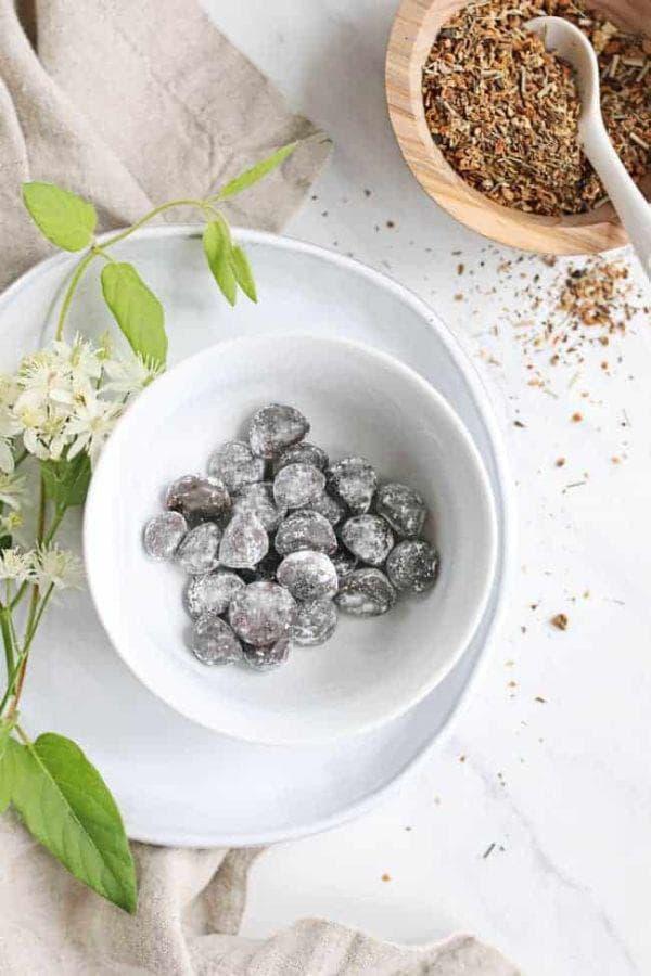 Бонбони от женшен, маточина, джинджифил и свещен босилек