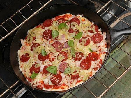 пица на тиган