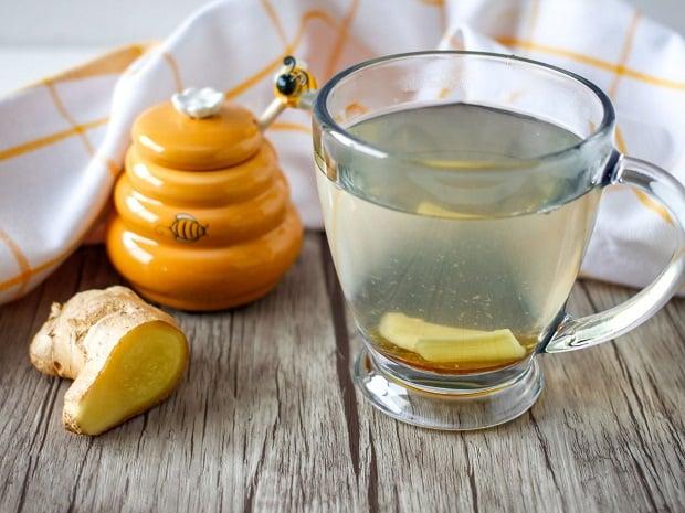 Чай с мед и джинджифил
