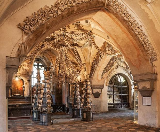 Костницата на готическата църква в Седлец